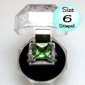 Ring Size 6 Simulated Emerald 273